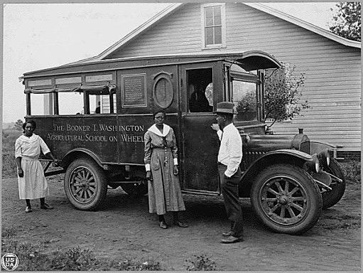 Booker T Washington School on Wheels