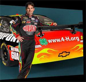 As one of the major sponsors of 4-H National Youth Science Day in 2009, DuPont provided some extra visibility extending to a massive audience; in the NASCAR circuit, the DuPont-sponsored car driven by Jeff Gordon prominently carried the 4-H emblem with the 4-H.org website on the back of the vehicle.